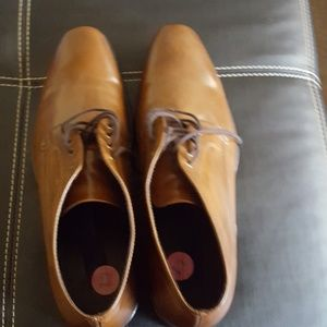 Like New Men's dress shoes